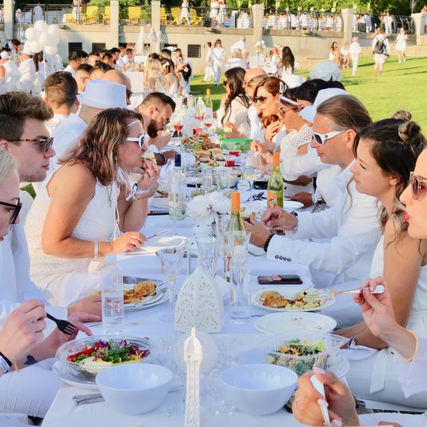 Vancouver all white summer party la diner en blanc