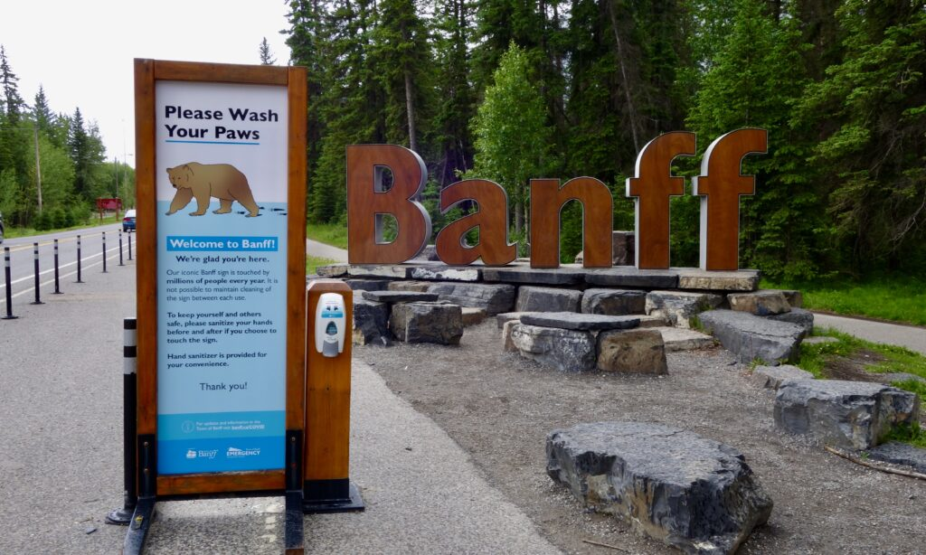 Banff AB welcome sign