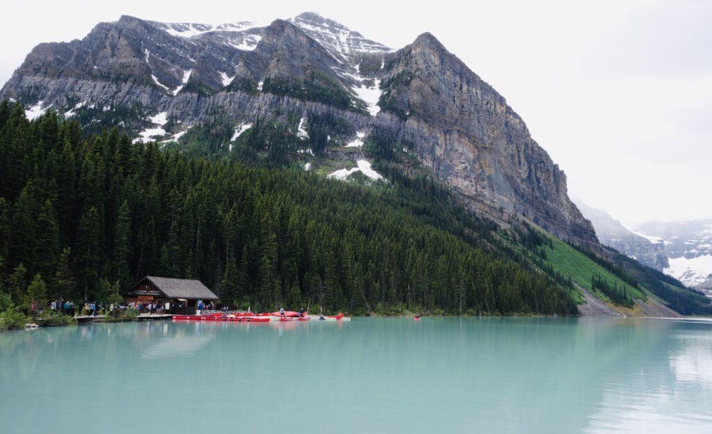 Lake Louise AB Photo Edward Quan