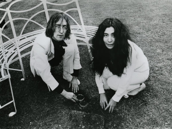 VAG Yoko Ono John Lennon